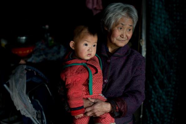 Política do filho único na China continua firme, com pequenos ajustes