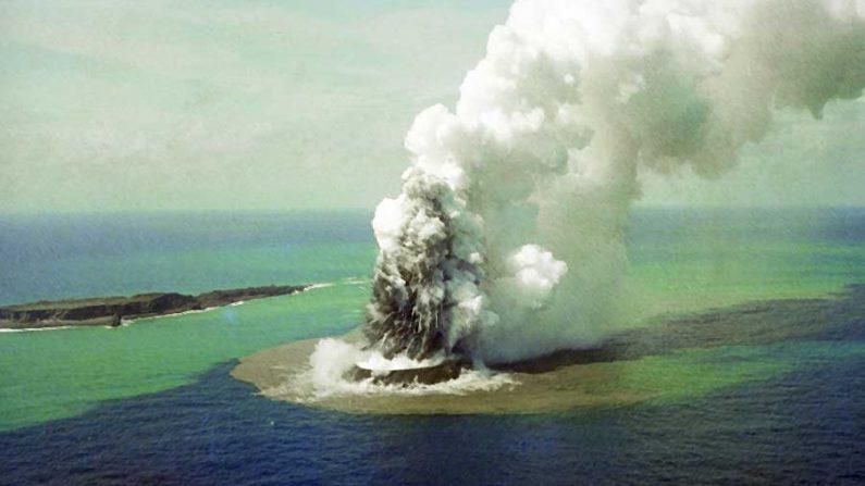 """Resultado de imagem para """"vulcão submarino"""""""