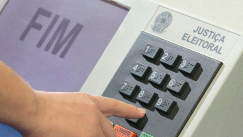 TSE precisa de voto em papel para mostrar que software é honesto, diz especialista Amílcar Brunazo