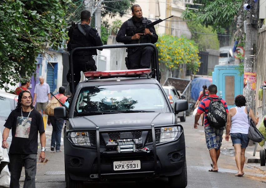 Copacabana policiada após morte de dançarino do Esquenta e tumulto