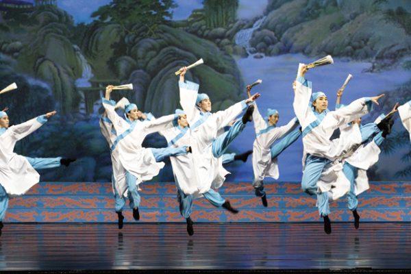 Shen Yun: Valorizando a força masculina para refinar a dança