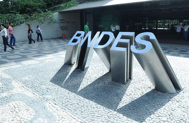 Mesa autoriza criação da CPI do BNDES