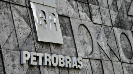 Avanço e medo do coronavírus faz empresas brasileiras perderem R$ 33 bi