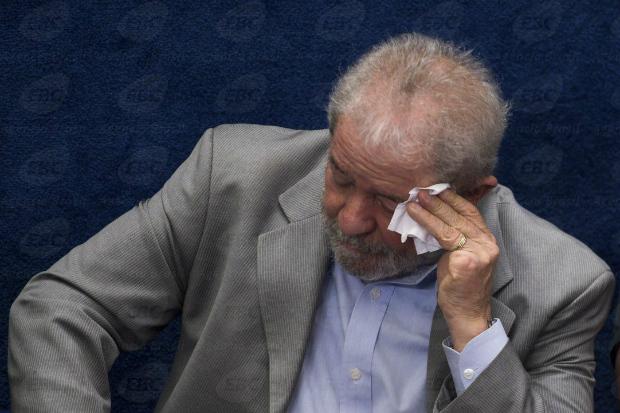 Lula e mais dois viram réus na Lava Jato por lavagem de dinheiro