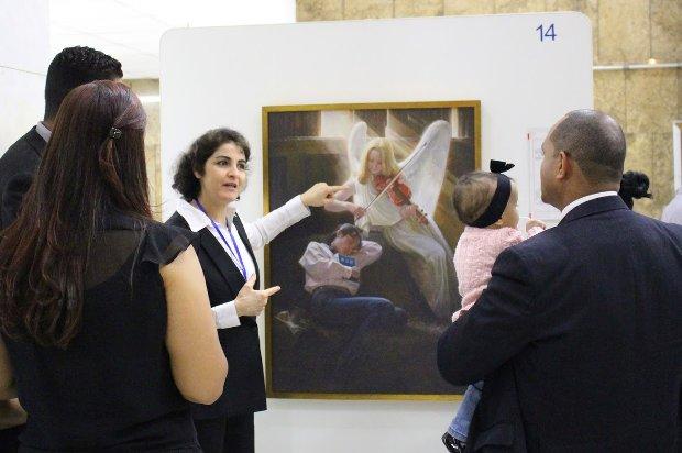 Exposição internacional de arte na Alesp retrata jornada do Falun Gong