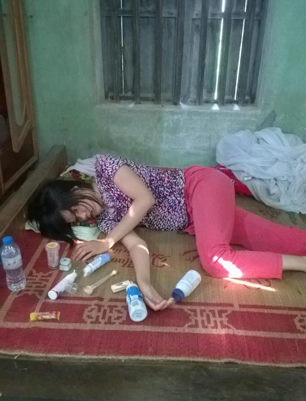 Nguyet no auge de sua doença, em sua casa, no Vietnã (Dang Thi Nguyet)