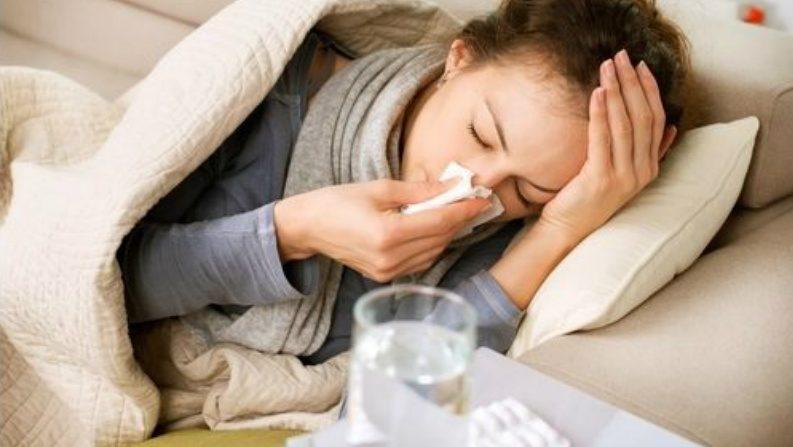 O que o clima frio tem a ver com pegar um resfriado? | Conan Milner | gripe | resfriados | Epoch Times em Português