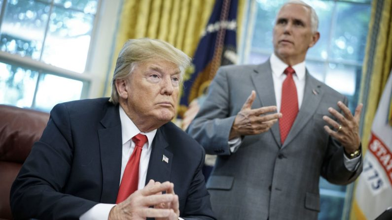 "Trump e Pence condenam ""tentativas de ataque"" contra os Clintons e Obama"