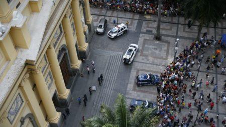 Homem mata 4 pessoas na Catedral de Campinas antes de cometer suicídio