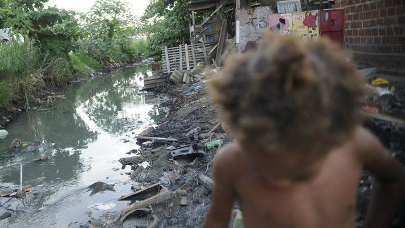 Extrema pobreza aumenta e chega a 15,3 milhões de pessoas em 2017