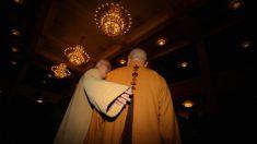 Monges chineses prestam serviços sexuais sob contrato com mosteiros