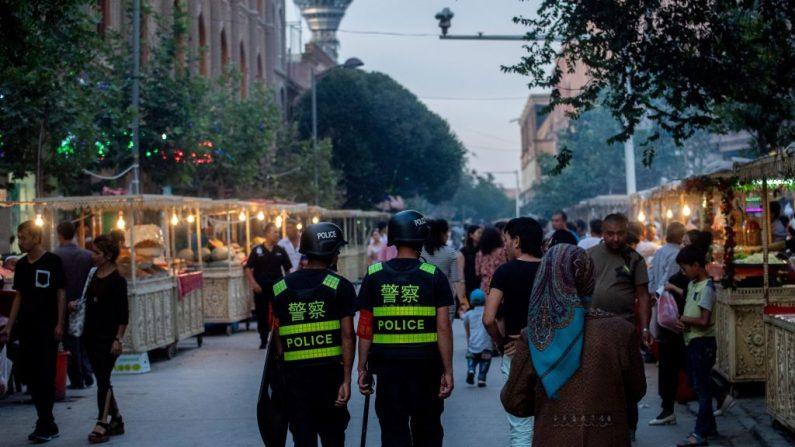 China obriga muçulmanos uigures a comer carne de porco e beber álcool durante Ano Novo chinês
