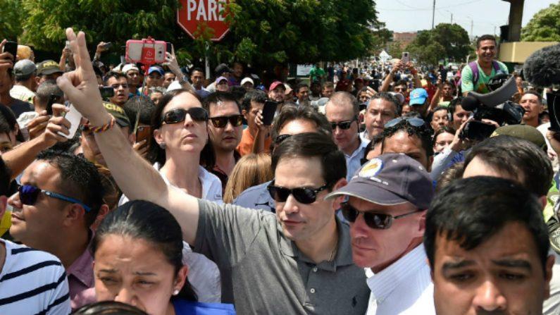 Soldados de Maduro começam a desobedecer suas ordens, diz Marco Rubio (Vídeo)