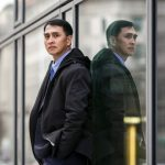 Empresário chinês arrisca a própria vida para expor perseguição na China