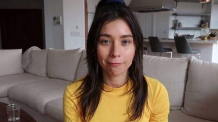 Famosa youtuber vegana é criticada por comer peixe, então ela confessa ter problemas de saúde devido à dieta (Vídeo)