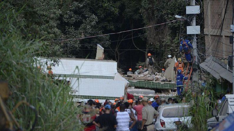 Sobe para nove total de mortos em desabamento no Rio