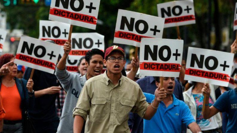 """General de divisão venezuelano rompe com Maduro: """"não mais Castro-comunismo para a Venezuela"""" (Vídeo)"""