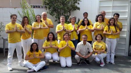 São Paulo, Brasil: Praticantes do Falun Dafa estudam, compartilham experiências e ampliam o conhecimento do público sobre a perseguição (Vídeo)