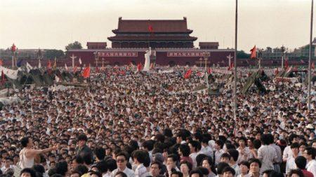 Em memória do massacre da Praça da Paz Celestial