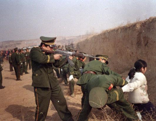 Milhares de inocentes são executados todos os anos pelo governo chinês por não negarem suas crenças ou por denunciarem a tirania e os abusos do Partido Comunista Chinês (Agência Reuters)