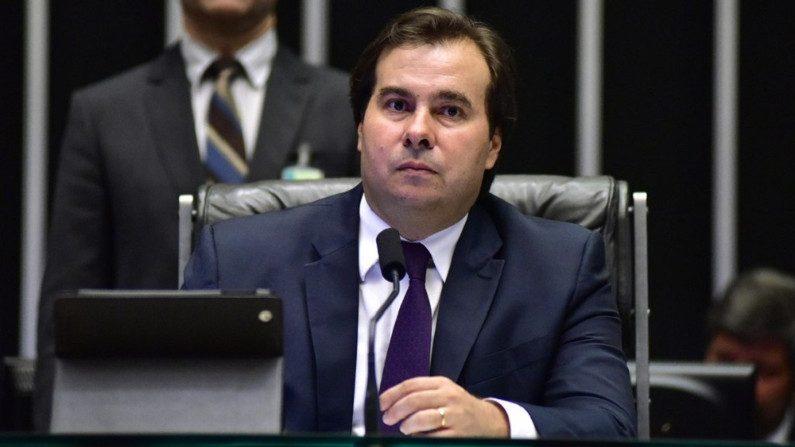 Maia movimenta oposição para garantir presidência na Câmara