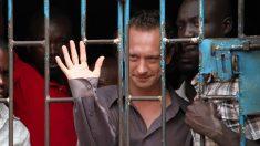 Barroso decide que presos transexuais fiquem em presídios femininos