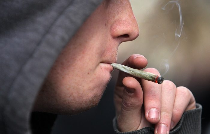 'População brasileira está vivendo uma epidemia de drogas, mas nas universidades é o dobro', diz ministro da Educação