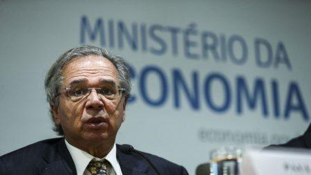 Guedes propõe extinguir inscrição obrigatória em conselhos profissionais, incluindo OAB (Vídeo)
