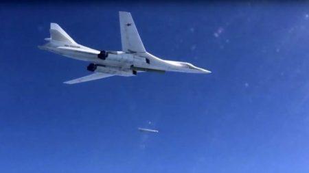 Bombardeiros russos com capacidade nuclear voam para região próxima ao Alasca