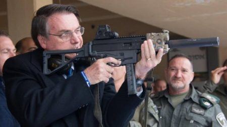 Câmara aprova urgência para projeto que autoriza porte de arma para novas categorias profissionais