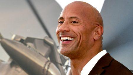 """Dwayne Johnson é o ator mais bem pago do mundo, segundo ranking da """"Forbes"""""""