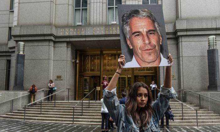 Suicídio de multimilionário Jeffrey Epstein levanta dúvidas e múltiplas investigações