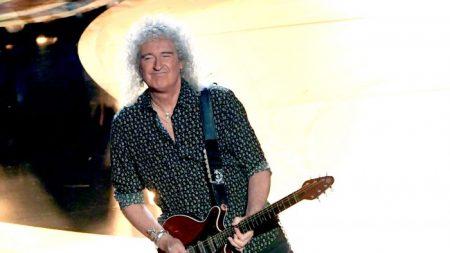 Brian May, Guitarrista do Queen, diz que Shen Yun é 'encantador e esclarecedor'