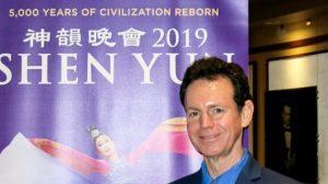 Músico Eric Le Van elogia esforços de Shen Yun para recuperar tradições