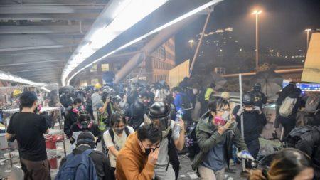 Efeitos da exposição ao gás lacrimogêneo aumentam tensão em Hong Kong