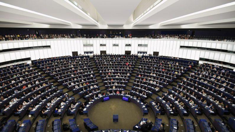 Parlamento Europeu decide condenar tentativa de 'golpe de Estado parlamentar' na Venezuela