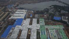 Imagens do novo hospital de coronavírus operado por militares em Wuhan revela ambientes semelhantes a prisões