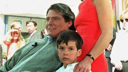 Filho de Christopher Reeve, Will, está crescido e se parece com seu pai Super-Homem