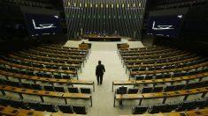 Parlamentares gastam R$11 milhões em propaganda própria na pandemia