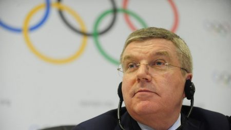 """Presidente do COI diz que Jogos não devem ser """"feira de manifestações"""""""