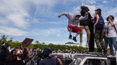 Antifa e outros grupos de extrema esquerda aproveitam distúrbios para iniciar uma 'revolução'