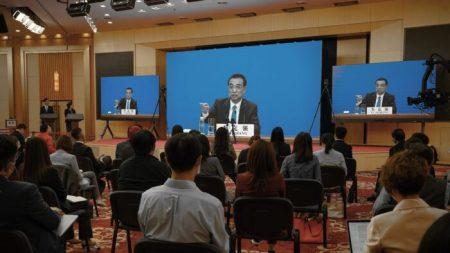 Primeiro-ministro da China reconhece grave crise econômica, com 600 milhões de pessoas ganhando US$ 140 por mês