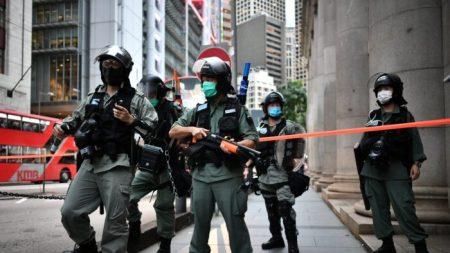 Reino Unido urge que Pequim recue à medida que o regime pressiona pelo controle de Hong Kong