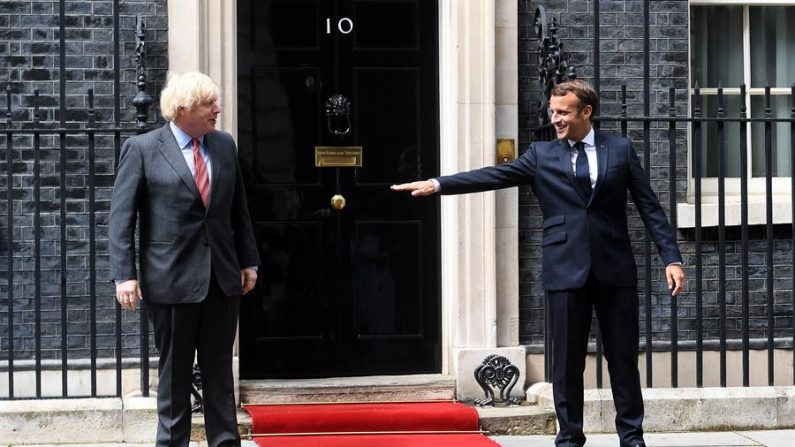 Reino Unido abrandará medidas contra coronavírus para reativar economia