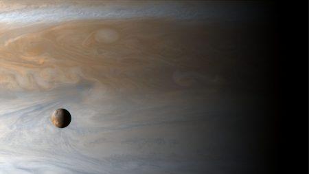Novo estudo endossa possibilidade de Europa, lua de Júpiter, ser habitável