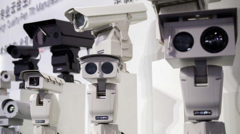 China tem a população mais vigiada do mundo, afirma estudo do Reino Unido