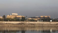 Foguete disparado contra embaixada dos EUA em Bagdá fere criança, afirmam autoridades iraquianas