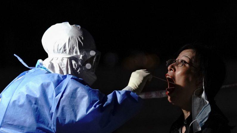 Pequim: origem do mais recente surto de vírus permanece um mistério e autoridades tentam contê-lo