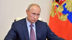 Oposição russa coleta assinaturas para anular a reforma constitucional de Putin
