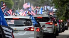 Quase 30.000 carros se juntam à caravana anticomunista organizada por hispânicos em Miami